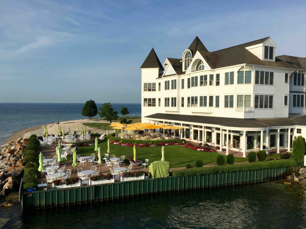 Iroquois Hotel and Carriage House Restaurant